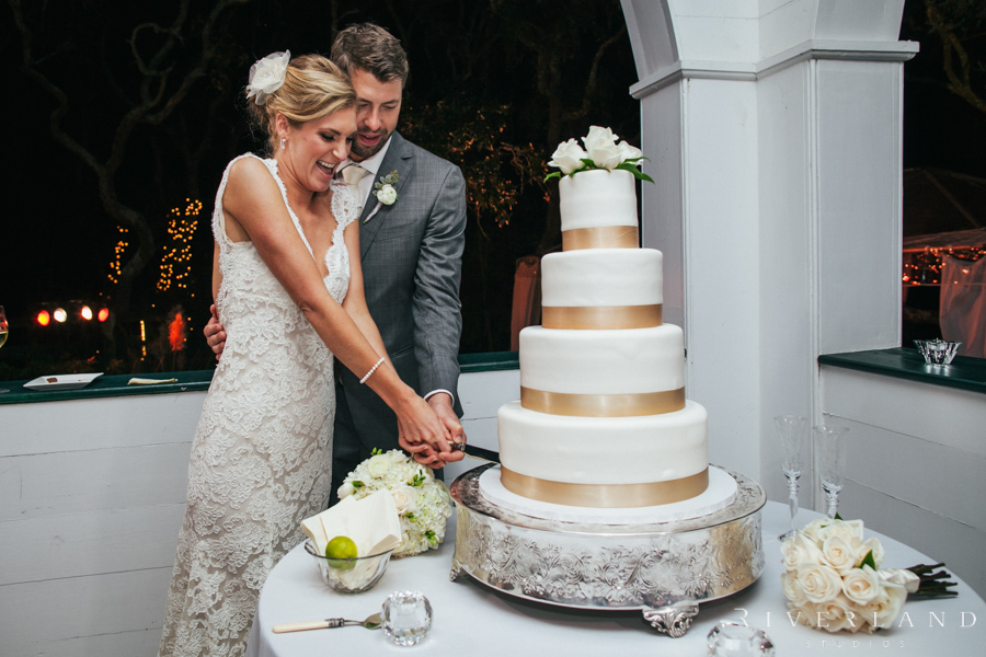 who cuts the wedding cake first katherine amp travis pawleys island wedding riverland 27429